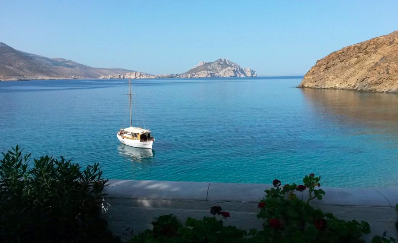 petradi amorgos_boats_tour_cyclades_islands