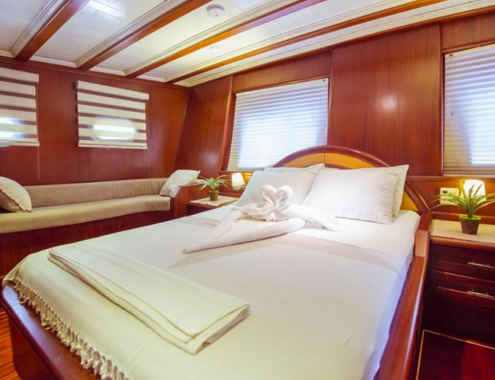 queensizebed_yacht_comfortable